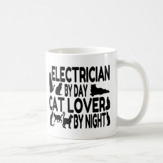 電気技師の猫好き コーヒーマグカップ