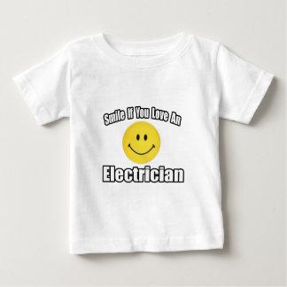 電気技師を愛すればスマイル ベビーTシャツ