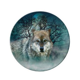 霧のオオカミの満月 磁器プレート