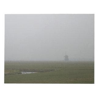 霧のオランダの風車 ノートパッド
