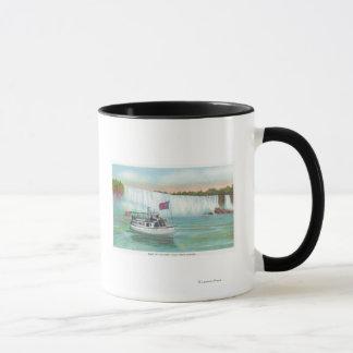 霧のボートの女中の眺め マグカップ