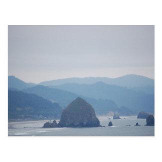 霧の大砲のビーチの三角波 ポストカード