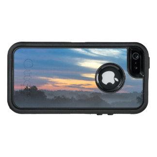 霧を通して オッターボックスディフェンダーiPhoneケース