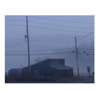 霧深いゴーストタウン ポストカード