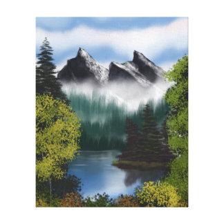 霧深い山の眺め キャンバスプリント