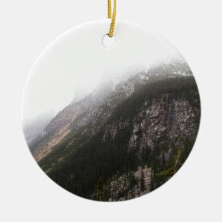 霧深い山 セラミックオーナメント