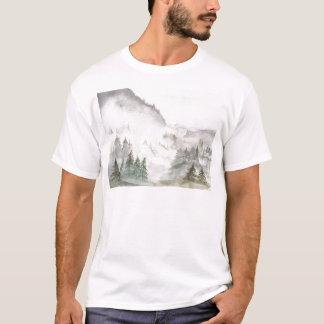 霧深い山 Tシャツ