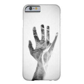 霧深い手 BARELY THERE iPhone 6 ケース