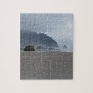 霧深い日の抱擁ポイントオレゴンの海岸 ジグソーパズル