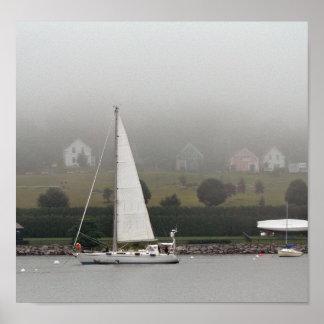 霧深い日、Penobscot湾、メイン ポスター
