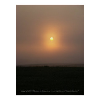 霧深い朝の日の出 ポスター