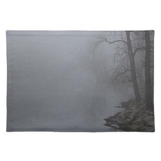 霧深い朝 ランチョンマット