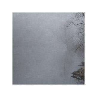 霧深い朝-灰色 キャンバスプリント