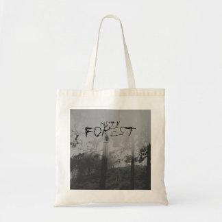 霧深い森林気色悪い白黒バッグ トートバッグ