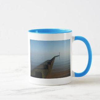 霧深い海への通路 マグカップ