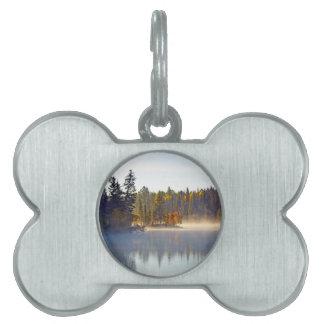 霧深い秋湖 ペットネームタグ