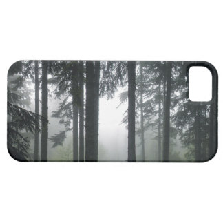 霧深いPNWの雨林の自然の景色の電話箱 iPhone SE/5/5s ケース