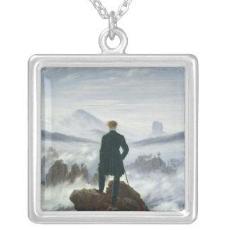 霧1818年の海の上の放浪者 シルバープレートネックレス