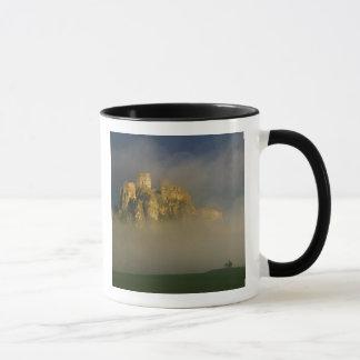 霧、スロバキア2のSpisskyのhrad マグカップ