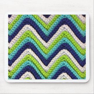 青いかぎ針編みシェブロン マウスパッド