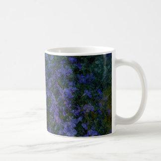 青いすみれ色の庭のマグ コーヒーマグカップ