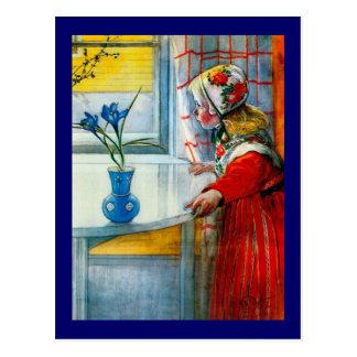 青いアイリスを持つ小さな女の子 ポストカード