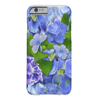 青いアジサイおよび蝶 BARELY THERE iPhone 6 ケース