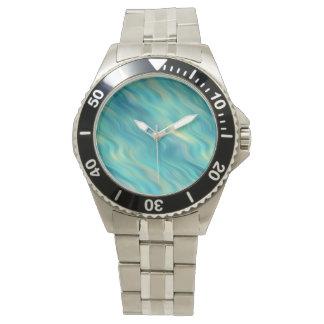 青いアジサイの波状の質 腕時計