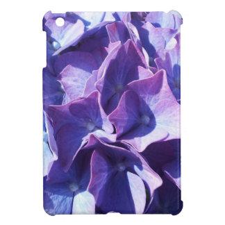 青いアジサイの花は写真の上で閉まります iPad MINIケース