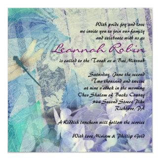 青いアジサイ及びトンボのバルミツワーの招待状 13.3 スクエアインビテーションカード