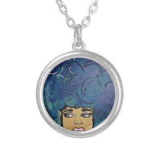 青いアフリカの黒檀の女の子の大きい毛 シルバープレートネックレス