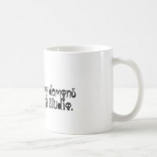 青いカルマの鬼のコーヒーカップ コーヒーマグカップ