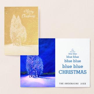 青いクリスマスツリーの元の小ぎれいなマツもみ 箔カード