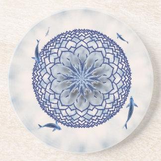 青いコイのはす曼荼羅の装飾的な円形のコースター コースター