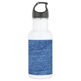 青いジーンのデニムの背景 ウォーターボトル