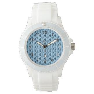 青いスカルパターン 腕時計
