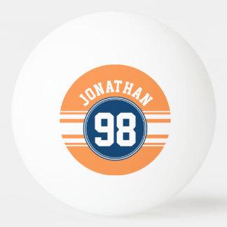 青いスポーツジャージーおよびオレンジのストライプな一流数 卓球 玉