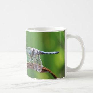 青いトンボのマグ コーヒーマグカップ