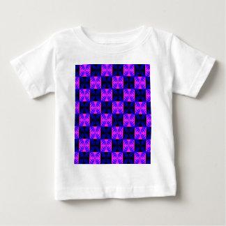 青いピンクの光学ネオンデザインの錯覚パターン ベビーTシャツ