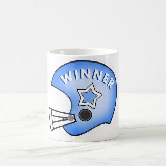青いフットボール用ヘルメットの勝者のマグ コーヒーマグカップ