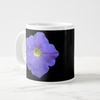 青いペチュニアのマグ ジャンボコーヒーマグカップ