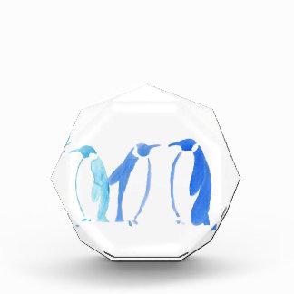 青いペンギンのトリオ 表彰盾