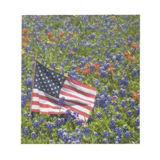 青いボンネット、2の分野の米国旗 ノートパッド
