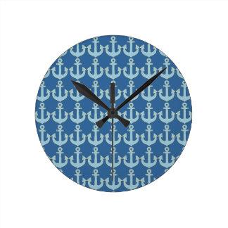 青いボートの航海のないかりパターン ラウンド壁時計