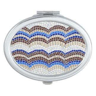 青いモザイク楕円形の密集した鏡