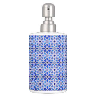 青いモロッコの幾何学的なパターン バスセット