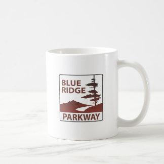 青いリッジのパークウェイのハイウェーの遠征 コーヒーマグカップ