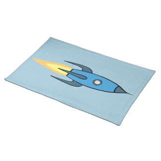 青いレトロのRocketshipのかわいい漫画のデザイン ランチョンマット