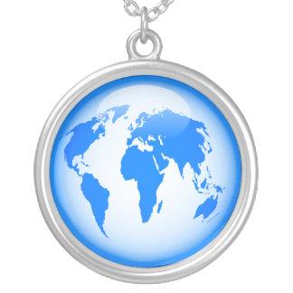 青い光沢のある地球 シルバープレートネックレス