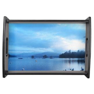 青い平静、湖WINDERMERE、イギリス トレー